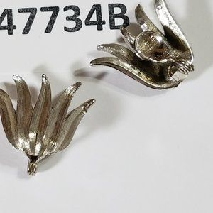 Tulip Absolutely Adorable Clip on Earrings